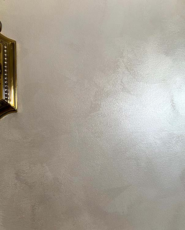 Troweled finish on wall